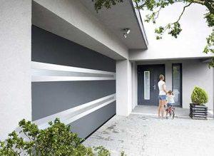 porte-de-garage-sectionelle-alu-motorisee-panoramique